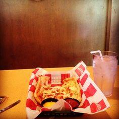 Cheesy Flatbread from Instagram User bee_emm_21  #larosas on Tagboard