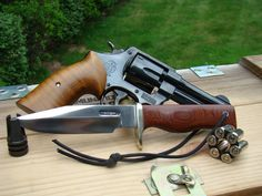 Revolvers, Smith Wesson, Weapons Guns, Musketeers, Shtf, Knife Making, Everyday Carry, Knifes, Blacksmithing