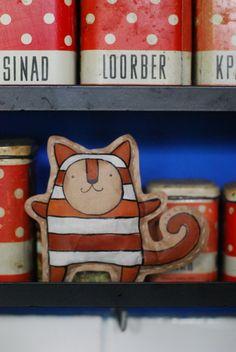 Paper doll by avokada
