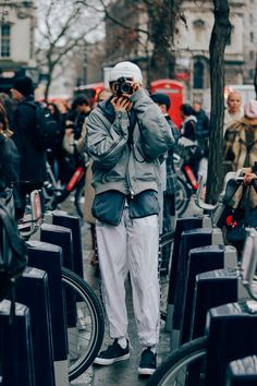 Here are the stylish gents from the Fall/Winter 2017 shows that caught our eye on the streets of London.