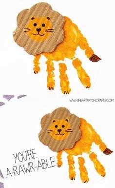le lion - peinture avec les mains