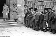 1939 1945 La Police juive du Ghetto de Varsovie.