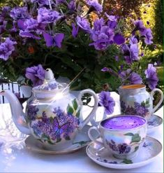 Image may contain: coffee cup, drink, flower and indoor Good Morning Coffee, Good Morning Gif, Good Morning Images, Coeur Gif, Good Morning Animation, Good Morning Flowers, Teapots And Cups, My Cup Of Tea, All Things Purple