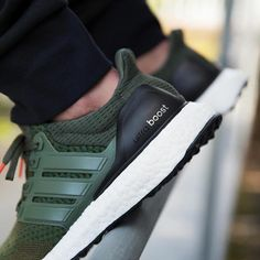 Mens Womens and Kids Shoes and Sneakers - Ultra Boost Adidas - Trending Ultra Boost Adidas - adidas Ultra Boost: Forest Green Adidas Ultra Boost Men, Adidas Boost Mens, Only Shoes, Men's Shoes, Shoe Boots, Shoes Sneakers, Sneakers Fashion, Fashion Shoes, Runway Fashion