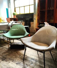 LOVE these #vintage Lloyd Loom chairs!! Look at the shape of them!! There's a set of 4 available in the shop right now #retro #shop #furniture #chair #chairs #forsale #lloydloom #cool #stylish #style #interiors by liveliketheboy