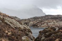 VÆRHARDT: Utsikt mot Alden. Vêret skiftar ofte på Værlandet.
