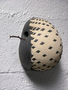 Bird house Ceramic Birds, Ceramic Clay, Ceramic Pottery, Pottery Art, Decorative Bird Houses, Bird Houses Diy, Bird House Feeder, Organic Art, Clay Design