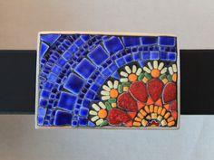Mosaic Flower Buckle with Belt Red Yellow by SallyMaysMosaicArt Mosaic Diy, Mosaic Wall, Mosaic Glass, Mosaic Tiles, Glass Art, Mosaic Mirrors, Stained Glass Birds, Stained Glass Panels, Fused Glass