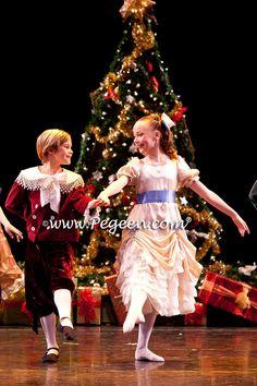 Nutcracker a lot time fav Nutcracker Ballet Costumes, Ballet Performances, Little Ballerina, Nutcracker Christmas, Beautiful Costumes, Ballet Photography, Tiny Dancer, Just Dance, Night Gown