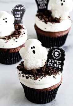 Ghostly Dirt Pudding Cupcakes