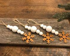 Salt Dough Christmas Ornaments, Farmhouse Christmas Ornaments, Handmade Christmas Decorations, Christmas Ornaments To Make, Holiday Crafts, Christmas Crafts, Homemade Ornaments, Wood Bead Garland, Beaded Garland