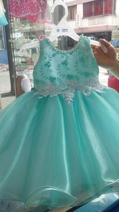 African Dresses For Kids, Little Girl Outfits, Kids Outfits Girls, Little Girl Dresses, Girls Dresses, Baby Pageant Dresses, Baby Girl Christmas Dresses, Beautiful Pakistani Dresses, Dress Anak