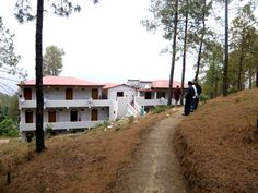 Panoramic Groups Hill Resort in Nanda Devi Mountains
