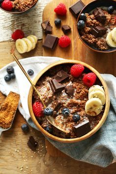 7-ingredient dark chocolate quinoa breakfast bowl naturally sweetened with maple syrup and infused with cocoa powder. A healthy, plant-based breakfast.