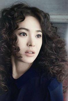 Song Hye-kyo's doll-like beauty