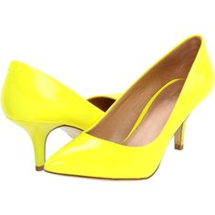 Aldo Delcamp (17.950 HUF) ❤ liked on Polyvore featuring shoes, pumps, heels, yellow, yellow shoes, yellow pointy toe pumps, yellow pumps, aldo shoes and yellow heeled shoes