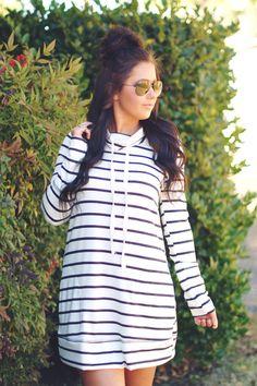 Night Cruise Sweatshirt Dress White/Black