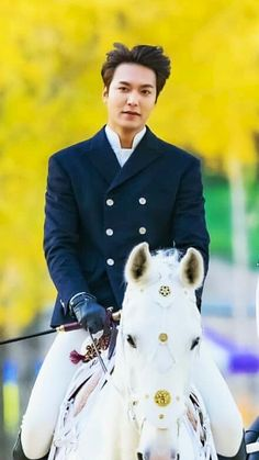 Lee Min Ho, filming The King: Eternal Monarch, - Movie And Comic Korean Celebrities, Korean Actors, Lee Min Ho Dramas, Korean Drama Tv, Lee Min Ho Photos, Hot Asian Men, Kim Go Eun, Seo Joon, Boys Over Flowers