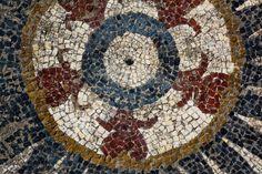 Scoperti dei mosaici romani a Ucetia, in Francia | Il Fatto Storico