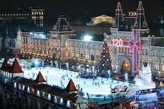 GUM Celebrates 120 Years in the Red Square, With Or Without Vuitton Luggage ~Moscow's Red Square