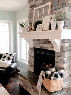 30 Gorgeous Farmhouse Fireplace Mantel Design and Decor For Cozy Winter - Fireplace Decor Farmhouse Remodel, Farmhouse Style Kitchen, Farmhouse Decor, Modern Farmhouse, Farmhouse Design, Craftsman Farmhouse, Farmhouse Interior, Country Farmhouse, Country Chic