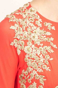 Ridhi Mehra  |  मिशेल Hand Embroidery Designs, Beaded Embroidery, Kurta Designs, Blouse Designs, Hand Work Design, Maggam Work Designs, Wedding Embroidery, Indian Couture, Embroidery Fashion