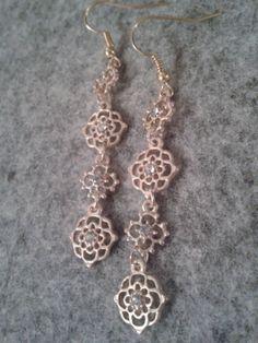 Items similar to dangle golden flower earrings on Etsy Golden Flower, Jewelry Party, Flower Earrings, Dangles, Jewelry Design, Bracelets, Pretty, Flowers, Silver