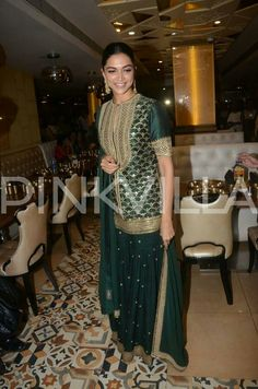 Bollywood actress Deepika padukone in traditional dress