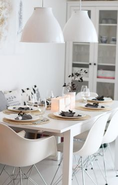 White Dining Table Design Ideas: 10 Modern White Dining Room Sets That Will Delight You White Dining Room Sets, Modern Dining Room Tables, Dining Table Design, Dining Room Walls, Dining Area, Modern Table, Room Chairs, Decoration Inspiration, Dining Room Inspiration