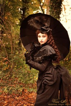 This is what I envision for a steampunk costume. The perfect Victorian ensemble. I particularly like the bustle and the hat. Victorian Steampunk, Victorian Women, Victorian Fashion, Gothic Fashion, Victorian Era, Steampunk Female, Victorian Halloween, Witch Fashion, Modern Victorian