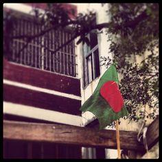 One love! #Bangladesh #flag #ProudBangladeshi #Pride #March #Victory #instabangla #greennred #redngreen #JoyBangla #lal #sobuj #green #urban...