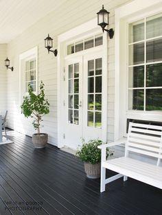 Peltotien päässä Main Entrance Door, Entrance Design, Hamptons Style Homes, Hamptons House, Front Porch Makeover, Glam House, Build Your House, Farmhouse Front, House Paint Exterior