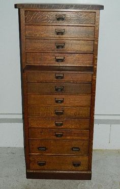 Oak 12 Drawer Map Chest/Jeweler/Watchmaker Cabinet Raised Panel Sides