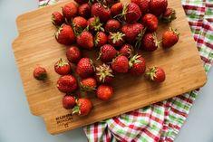 Erdbeerknödel • Die Erdbeere Butcher Block Cutting Board, Strawberries, Kochen, Simple