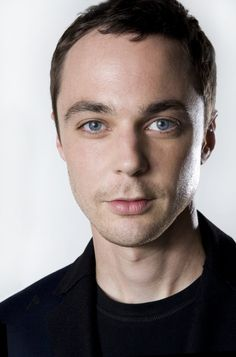 Jim Parsons is an American television and film actor, best known for playing Sheldon Cooper in The Big Bang Theory. Jim Parsons, The Bigbang Theory, Mayim Bialik, People Of Interest, Favim, Hollywood Celebrities, Male Celebrities, Famous Faces, Famous Men