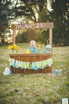 One part of my Spring-Themed Mini-Photo-Sessions for 2015! A fresh flowers stand (complete with cute accents). Magruder Photo + Design | Easter Spring Photography Idea Spring/Easter Themed Mini-Sessions {knoxville child photography} #knoxvillechildrensphotography #knoxvilletnphotography #springminisessionideas #magruderphotoanddesign #childphotography
