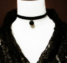 Black Vintage Handmade Retro Goth Steampunk Velvet Bead Choker Necklace Pendant