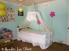 Apples for Olive Hula Hoop Canopy, tutorial