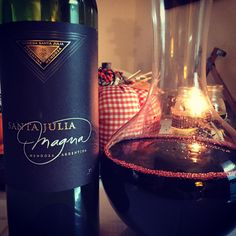 Cabernet, Malbec, & Syrah blend = absolutely delicious!  #wine #winelover #wineweekend @golfnhockeywolf Argentine, Whiskey Bottle, Red Wine, Alcoholic Drinks, Glass, Storms, Red And White, Wine, Drinkware