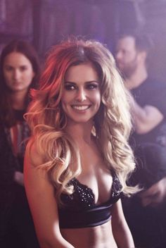 Hot and Sexy Cheryl Cole Photos) - Sharenator Cheryl Ann Tweedy, Cheryl Fernandez Versini, Girls Aloud, Celebrity Beauty, Celebrity Style, Most Beautiful Women, Girl Crushes, My Idol, Divas