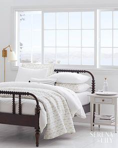 New Bedroom White Wood Furniture Rugs Ideas Coastal Bedrooms, Luxurious Bedrooms, Trendy Bedroom, Small Bedrooms, White Wood Bedroom Furniture, House Furniture, Bedroom Pictures, Bedroom Pics, Girls Bedroom
