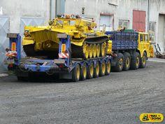 Truck Transport, Gundam Wallpapers, Old Tractors, World Of Tanks, Car Engine, New Trucks, Classic Trucks, Fire Trucks, Military Vehicles