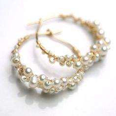 Pearl Hoops Wire Wrapped Hoops by fussjewelry on Etsy, Pearl Jewelry, Wire Jewelry, Jewelry Crafts, Beaded Jewelry, Handmade Jewelry, Flower Jewelry, Gemstone Jewelry, Wire Wraping, Jewelry Accessories