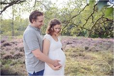 Zwangerschapsfotoshoot Heide Zwangerschapsfotografie Buiten Fotograaf Almere http://www.wonder-fotografie.nl