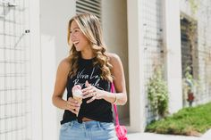 Chic Flavours wearing spring tees with Old Navy in Chicago