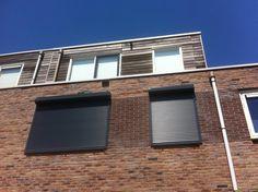 Weer paar rolluiken #rolluiken #zonwering Outdoor Decor, Decor, Garage, Garage Doors, Home, Doors, Home Decor