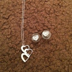 earring and necklace set silver jewelry no damage! Jewelry