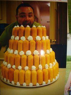 Twinkie cake Twinkie Desserts, Twinkie Cake, Redneck Wedding Cakes, Redneck Party, Camo Wedding, Wedding Fun, Wedding Ideas, Beautiful Cakes, Amazing Cakes