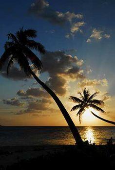Sunset 0at Wakatobi, Sulawesi Indonesia    Travel Guide to Sulawesi    http://allindonesiatravel.com/