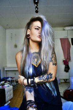 Shared by This Lovely Life . Find images and videos about hair, color and long hair on We Heart It - the app to get lost in what you love. Mode Renaissance, Hot Inked Girls, Piercings, Silver Grey Hair, Metal Girl, Punk Fashion, Girl Tattoos, Tatoos, New Hair
